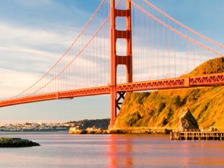 Discover the best views of the Golden Gate Bridge in the city, whether you are looking for the perfect photo-op or a hotel room with a spectacular view.